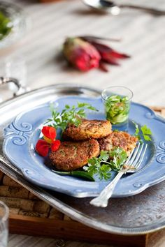 SPICY FISH CAKES WITH CUCUMBER RELISH