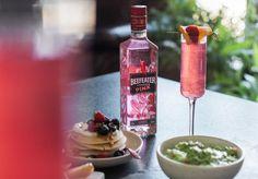 Drink e Garrafa Beefeater Pink Drinks, Bar Drinks, Cocktail Drinks, Cocktails, Lets Get Drunk, Getting Drunk, Frozen, Bartender, Hibiscus