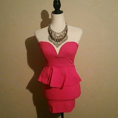 A'gaci Fuschia  Pink mini strapless Dress A'gaci Fuschia  Pink mini strapless Dress  Super Sexy  perfect for Date night   Great conditions   Worn once a'gaci Dresses Mini