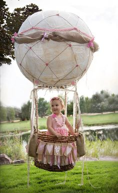 Hot air balloon photo prop photography, 1st birthday, photo ideas  www.rachelle-lee-photography.com