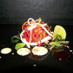 Feliz día mi gente hoy me desperté con ganas de transmitirles una preparación sencilla y fresca como es esta ensalada de vegetales frescos y algas de la costa con un aderezo de mostazatupiro vinagreta espesa de temblador y especias esperó que sea de su agrado y la preparen.  #somosmas #ComidaVenezolana  #cocineros_venezolanos  #instafoodie #cooking #food #Free #chefstalk #instafood  #venezuela #chefsofinstagram #gastronomy  #theartofplating #truecooks  #InstaFood #eeeeeats #feedfeed…