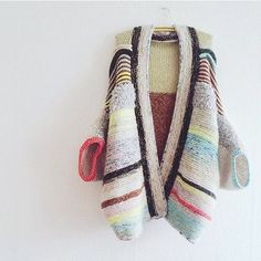 Forget Squad Goals, I'm Working on My Sweater Goals . by Anjasoe, pattern by Mode Crochet, Knit Crochet, Knit Fashion, Look Fashion, Hand Knitting, Knitting Patterns, Pulls, Knitting Projects, Knit Cardigan