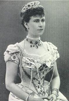 Queen Mary wearing amethyst parure