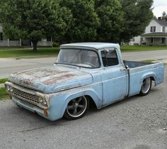 1958 Ford in Junction City, Kentucky Hot Rod Pickup, Old Pickup Trucks, Chevy Trucks, Classic Ford Trucks, Lowered Trucks, Ford F Series, Car Ford, Ford Motor Company, Custom Trucks