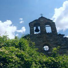 Preparats per descobrir el misteri de la creu de Saraís, envoltats de natura i l'espectacular patrimoni de les ermites romàniques? Més info aquí: http://www.elbrogit.com/ecotourism-responsible-holiday/ca/product/el-misteri-de-la-creu-de-sarais-a-la-vall-de-boi/