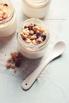 homemade yoghurt almonds hOney granola  & maple syrup