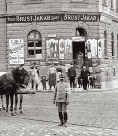 1892. Brust Jakab kereskedése. Old Pictures, Old Photos, Vintage Photos, Anno Domini, Budapest Hungary, Capital City, Good Old, Historical Photos, Genealogy