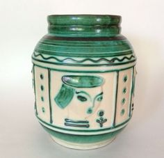 Afbeeldingsresultaat voor kupittaan vase Bauhaus, Pottery Vase, Ceramics, Finland, Design, Art, Pots, Vases, Plate