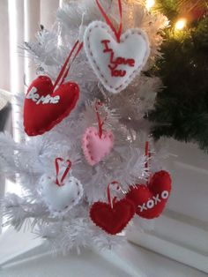 Pkg of 15 - Assorted Color & Size Valentines Day Fabric Heart Ornaments,  NIB #Ornament