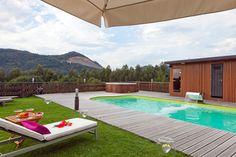 Piscina climatizada todo el año en las Casas Rurales de Ea Astei en Euskadi