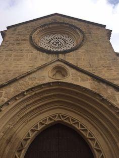 Fachada principal de la Iglesia de la Magdalena Impresionante monumento en #Córdoba http://interpretando.es/lamagdalenadecordoba/