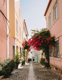 Lisbon Map, Lisbon City, Places To Travel, Places To Visit, Vacation Places, Vacation Spots, European Summer, Portugal Travel, Portugal Trip