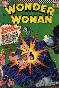 Wonder Woman 163 (July, Giganta the Gorilla Girl! Dc Comic Books, Comic Book Covers, Comics Story, Dc Comics, Wonder Woman Comics, Arch Enemy, Silver Age Comics, Classic Comics, Gi Joe