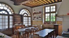 """La cuisine du gîte """"Le pavillon des cerfs"""" au Château de la Ferté Saint-Aubin"""