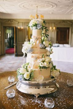 Ronald Joyce for a Peach Wedding at Thornton Manor Beautiful Wedding Cakes, Beautiful Cakes, Elegant Wedding, Thornton Manor, 2016 Wedding Trends, Blue Peach, Wedding Cake Decorations, Wedding Cookies, Wedding Cake Inspiration