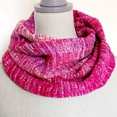 And another cowl piece i made on the Raspberry Beret warp. 100% handdyed cotton. #handwoven #handweaving #handmade #diy #cowl #wovencowl #handwovencowl #handdeyd #cotton