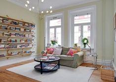 안녕하세요~ 라이프하우스에요^^ 요즘은 집의 거실에 TV를 꼭 놔야 한다는 생각이 아니라, 아이들의 교육환경을 위해서, 거실에 책을 놓는 거실 서재인테리어가 대세인것같아요~ 주말에 가족끼리 거실에서 책도 보고, 같은 주