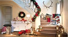 Dress your entryway Avec ce look de saison ! Christmas Tale, Santa Christmas, Shops, Christmas Inspiration, Entryway, Scale, Table Decorations, Holiday Decor, Home Decor