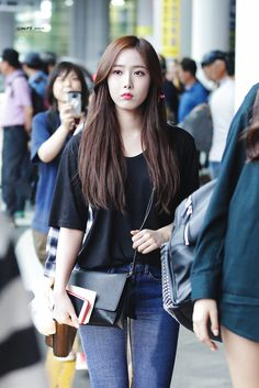 My bias Sinb Kpop Girl Groups, Korean Girl Groups, Kpop Girls, Bubblegum Pop, Extended Play, Asian Woman, Asian Girl, Sinb Gfriend, G Friend
