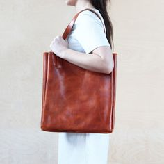 Funkis Lief bag in cognac. I could fit a small child in this methinks!