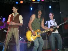 Perry Farrell,Slash and Krieger at TheDoors 40th Anniversary Celebration at the TheWhiskyAGoGo November 8, 2006 in West Hollywood, California. (Photo by Chad Buchanan/Getty Images) Hollywood California, West Hollywood, Perry Farrell, November 8, 40th Anniversary, Celebration, Doors, Music, Image