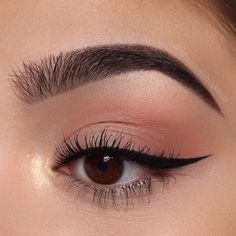 winged eyeliner makeup looks