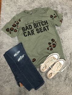 Bleach Shirt Diy, Diy Shirt, Cute Shirt Designs, Preppy, Custom Made Shirts, Sublime Shirt, Ootd, Look Vintage, Mama Shirt