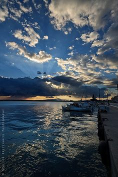 Kalamata (Messinia, Greece), birthplace of my Papou Most Beautiful Beaches, Beautiful Places, Greece Travel, Greece Trip, Best Western, Vacation Places, Greek Islands, Countries Of The World, Oh The Places You'll Go