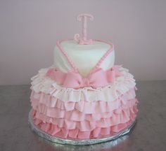 cute baby girl cake!
