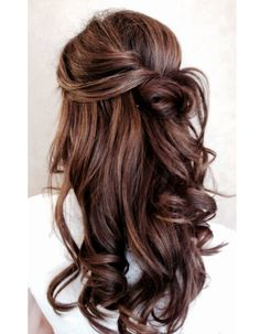 The 5 Most Gorgeous Hair-Color Ideas for Brunettes The 5 most beautiful hair color ideas for brunettes Curly Prom Hair, Curly Hair Styles, Easy Wedding Guest Hairstyles, Hair Styles Wedding Guest, Hair Ideas For Wedding Guest, Wedding Ideas, Gorgeous Hair Color, Gorgeous Makeup, Pretty Makeup