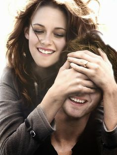 No one loves anone like Edward loves Bella