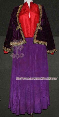 Quba bölgəsinə aid arxalıq, Şəkiyə məxsus tuman, Qarabağa məxsus köynəkdən ibarət geyim dəsti  #Milli_Azərbaycan_Tarixi_Muzeyi #The_National_Museum_of_History_of_Azerbaijan #Toxuculuq #Azerbaijan #National #Tradition #Azerbaijan #Qarabağ #Karabakh #Quba #Ənənə #Milli #Museum #Muzey #Art #Kömlek #Kostyum #moda #geyim #fashion #Köynəkı #Şahpəsənd #Tuman #Ləbbadə #Şəki #Sheki #Arxalık #Азербайджан #Азербайджанцы #Азербайджанец