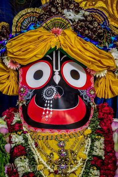 Boss Wallpaper, Wallpaper Wallpapers, Lord Jagannath, Cute Couple Selfies, Lakshmi Images, Deities, Krishna, Cute Couples, Wreaths