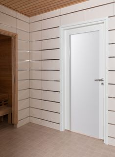 JELD-WENin ovimalli Unique Spa 500 soveltuu sekä kylpyhuoneenoveksi että kodin sisäoveksi. Ovessa on hyvin läpinäkyvyyttä estävä opaalilasi. Alcove, Garage Doors, Spa, Bathtub, Bathroom, Outdoor Decor, Home Decor, Standing Bath, Washroom