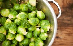 Low Carb Recipes To The Prism Weight Reduction Program Cruciferous Vegetables Like Brussels Sprouts Are Among The Best Ingredients For Smoothies Ayurveda, Fresco, Guacamole, Food Gallery, Good Smoothies, Antioxidant Vitamins, Detox Soup, Smoothie Ingredients, Smoothie Recipes