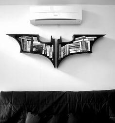Estantes de livros do Batman para decorar a casa dos geeks