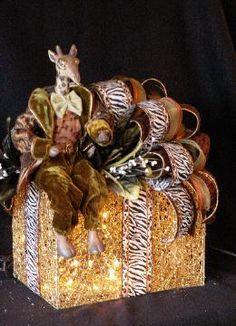 i would love to receive a gift wrapped like this...and wouldnt want to unwrap it....well....maybe, maybe not :)