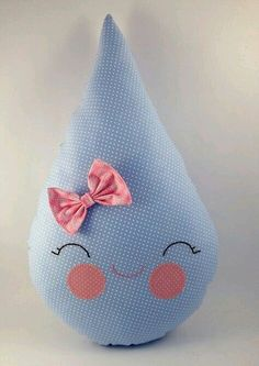 Crafts and step and step for artisan people! Cute Pillows, Baby Pillows, Kids Pillows, Boy Mobile, Felt Mobile, Sewing Toys, Sewing Crafts, Sewing Projects, Quilt Baby