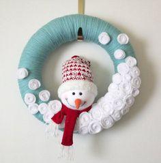 Aqua Snowman Wreath, Yarn Wreath, Large 14 inch Size