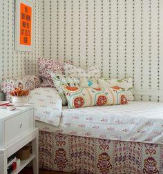 Mally Skok showhouse -  Love that crazy pop of orange!
