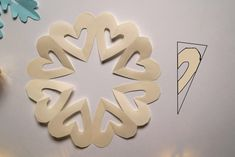 Dekoracje świąteczne z papieru. Gwiazdki i śnieżynki | Kirigami, Christmas Diy, Symbols, Letters, Hollywood, Winter, Kids, Handmade, Cement