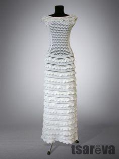 Купить или заказать Letizia в интернет-магазине на Ярмарке Мастеров. Длинное вечернее (или даже свадебное) платье 'в пол' молочного цвета. Связано крючком из тонкого 100% хлопка. Вырез - скромная лодочка, проймы - спущенное плечо, прикрытое оборками. Юбка - трапеция. Платье можно сделать короче или длиннее, по вашему желанию. Верх связан таким узором, который позволяет ему растягиваться без 'потерь' внешнего вида. Просто на меньшем размере он будет чуть длиннее, на большем - ч...