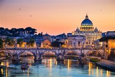 Rome is one of the most popular tourist destinations on planet earth, and it is so for very good reason. Rome or Roma is steeped with ancient and glorified history that entrenches the soul. Rome Travel, Italy Travel, Travel Europe, Rome Holidays, Rome Florence, Voyage Rome, Rome Antique, Beauvais, St Peters Basilica