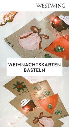 In der Vorweihnachtszeit gehört das Verpacken der Geschenke zu unserer absoluten Lieblingsbeschäftigung. Aber nicht nur das Kleben, Binden und Stempeln auf Geschenkpapier macht uns große Freude. Denn auch außergewöhnliche Weihnachtskarten basteln steht bei uns ganz oben auf der To-Do-Liste!/Westwing Weihnachtskarte selber basteln gestalten mit Kindern modern kreativ einfach Tannenbaum christmas card DIY xmas 2021 new year aquarell ideas design kids Weihnachten Advent Diy Xmas, Advent, Gift Wrapping, Gifts, Design, Present Wrapping, Stamping, Christmas Decorations, Glee