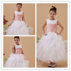 Robe trop belle Girls Dresses, Flower Girl Dresses, Plein Air, Princesses, Wedding Dresses, Fashion, Flowergirl Dress, Sleeves, Gowns
