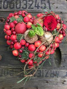 Beach Ornaments, Holiday Ornaments, Christmas Wreaths, Christmas Crafts, Swedish Christmas, Magical Christmas, Christmas Mood, Decor Crafts, Diy And Crafts