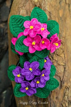 Crochet Flower Patterns Ravelry: African Violet pattern by Happy Patty Crochet - Pattern diagram, instructions in American Standard Terms, and a step-by-step guide with photos that will show you how to crochet this beautiful African Rose (Saintpaulia). Crochet Flower Tutorial, Crochet Flower Patterns, Flower Applique, Crochet Bouquet, Ravelry, Crochet Cactus, Knitted Flowers, Thread Crochet, Crochet Diy