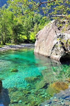 ✯ Emerald waters in Val di Mello, Lombardy, Italy
