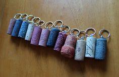 Wine Cork Key Chain Tutorial www.thewoodenbee.com #DIY #crafts