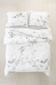 Shop Marble Comforter at Urban Outfitters today. We carry all the latest styles, colors and brands for you to choose from right here. Marble Room Decor, Marble Bedroom, Daybed Bedding, Bedding Sets, Full Size Comforter Sets, Girl Bedding, Marble Comforter, Marble Bed Sheets, Marble Duvet Cover